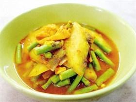 แกงเหลืองมะละกอปลากระพง